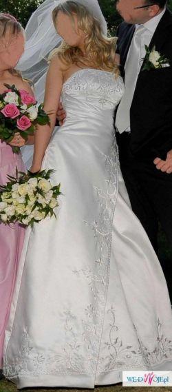 Przepiękna suknia firmy Annais Bridal
