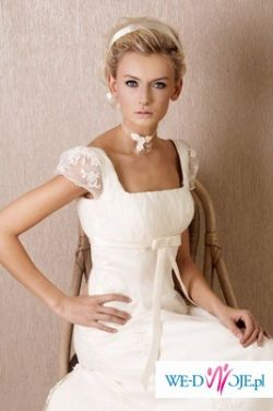 przepiękna suknia Kristi