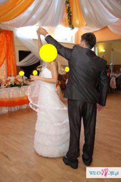 przepiękna suknia ślubna! :)