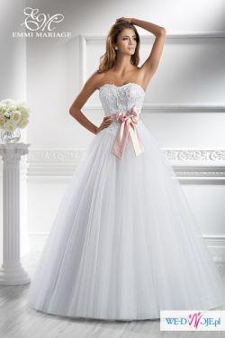 ff12bf452b Przepiękna suknia ślubna Emmi Mariage