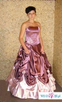 Przepiekna suknia slubna szyta na miare.