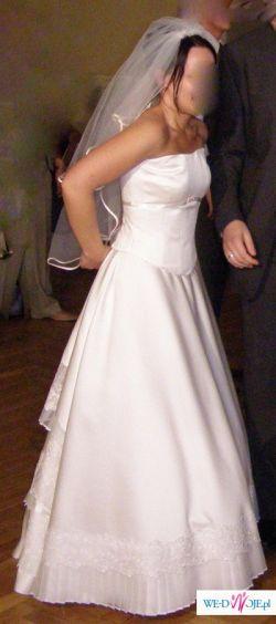 Przepiękną suknię ślubną sprzedam - welon + butki gratis:)