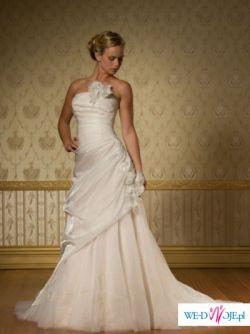 Przepiękna szwedzka suknia ślubna z kolekcji ASPERA