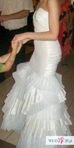 """Prześliczna suknia ślubna w stylu """"rybki"""""""