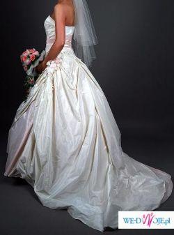 prześliczna suknia sposa