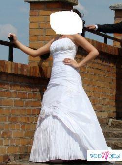 prześliczna suknia z tafty od Anges