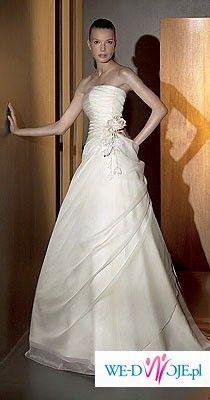 romantyczna suknia w kolorze ecru z saolu Madonna Piękny 3 metrowy welon gratis