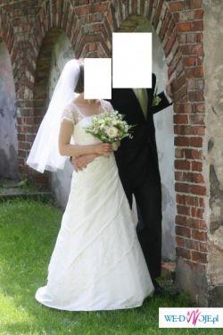 romantyczna suknia z rękawkiem