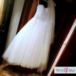Samotna Suknia Ślubna szuka domu