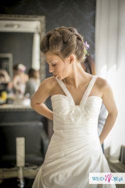 Skandynawska suknia slubna z trenem + dodatki