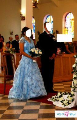 Śliczna błękitna sukienka