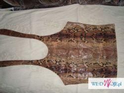 Śliczna bluzeczka z odkrytymi plecami