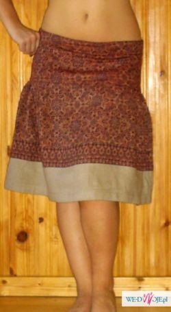 sliczna brązowa spódnica w kwiaty