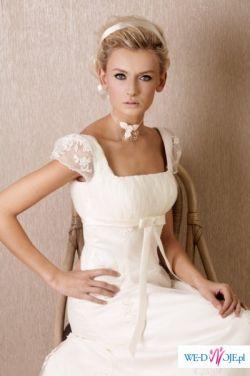 śliczna i dziewczęca suknia CRISTI-sprzedam