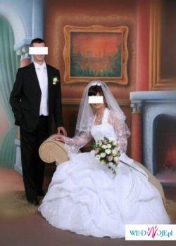 Śliczna klasyczna suknia ślubna !!! Na pewno będzie się podobała!!!
