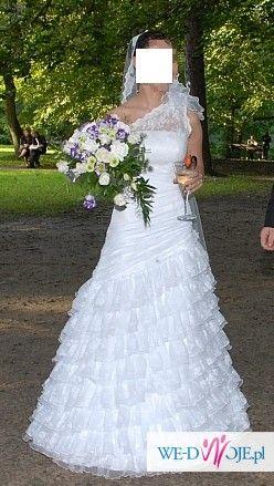Śliczna suknia CARMEN z salonu Vogue &She