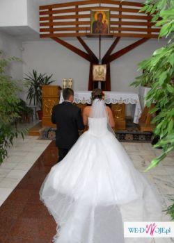 śliczna suknia ślubna demetrios 939 Lisa Ferrera