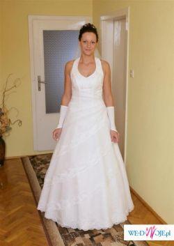 Śliczna suknia ślubna Paula z kolekcji firmy Karina