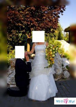 śliczna suknia ślubna WARTO