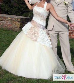 śliczna suknia ślubna we włoskim stylu