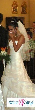 śliczna suknia tanio
