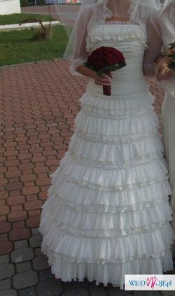 Śliczna suknia w stylu hiszpańskim, z kolekcji Papilio