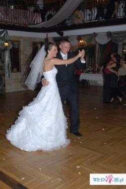 Ślubna, piękna suknia