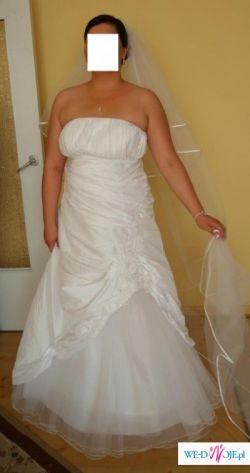 bcd59387e6 Śnieżnobiała suknia ślubna biała 44 - Suknie ślubne - Ogłoszenie ...
