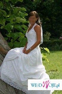 śnieżnobiała włoska suknia ślubna