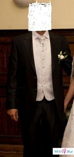 sprzedam bardzo elegancki i gustowny garnitur firmy DIUK-Wilvorst (2009)