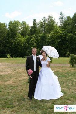 """Sprzedam najpiękniejszą suknię ślubną """"Agnes""""  wraz z bolerkiem i butami."""