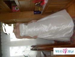 sprzedam pęknom suknie ślubną 42-44 futerko i buty za 700zł