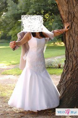 Sprzedam piękną białą suknie ślubną 38-40+ GRATIS