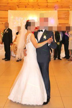 Sprzedam piękną koronkową suknię z dopinanym trenem + welon