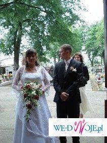 sprzedam piekną, skromna suknię ślubną r. 42