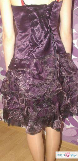 Sprzedam piękną sukienkę w kolorze śliwkowym