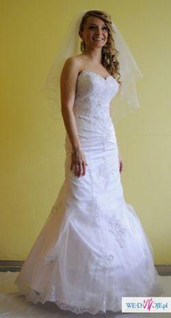 Sprzedam piękną suknię ślubną model Sweetheart 2010 + bolerko