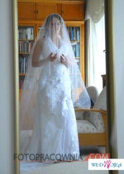 Sprzedam piękną suknię ślubną Pronovias Loyola. Rozm.38.
