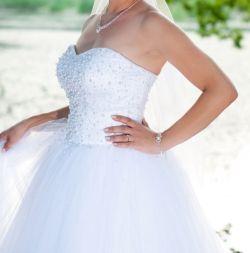 Sprzedam piękną suknie ślubną typu Princessa rozmiar 38