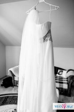 sprzedam piękną suknię Venus 9990