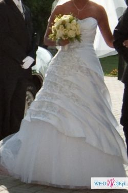 Sprzedam pięknie zdobioną suknię z salonu Agnes