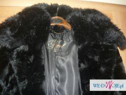 sprzedam piękny czarny zimowy płaszcz