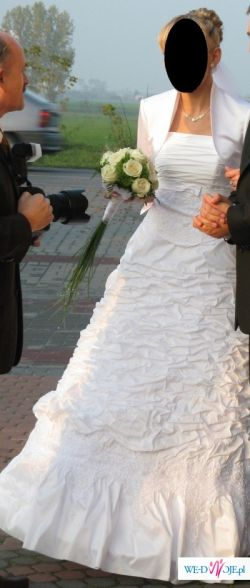 Sprzedam przepiękną białą suknię z tafty rozm.38 + bolerko