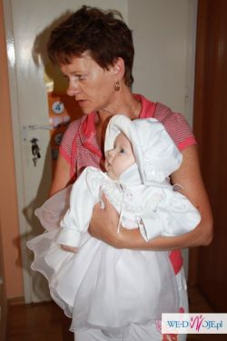 Sprzedam przepiękną sukienkę do chrztu zdobioną wraz z kapelusikiem bez skaz:)