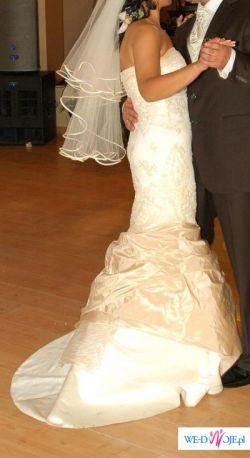 Sprzedam przepiękną suknie ślubna koloru ecru!!za  niską cene:) (800zzl)   :):)