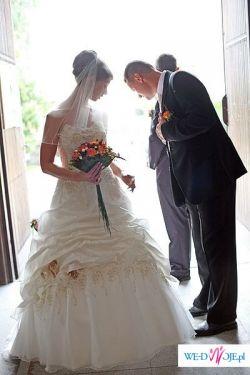 Sprzedam prześliczną suknie ślubną koloru ecru rozmiar 38 firmy Vanilla Sposa