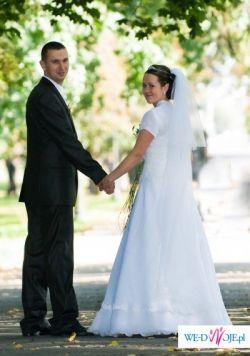 Sprzedam śliczną suknię ślubną z Salonu sukien ślubnych Adria