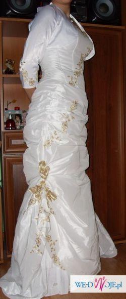 sprzedam sukienkę ślubną z trenem i złotymi różyczkami
