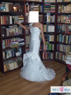 sprzedam suknię ślubną białą dopasowaną asymetryczną 36/38