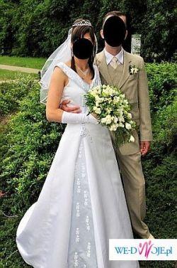 Sprzedam suknię ślubną. Biała z błękitnymi dodatkami rozm 36-38